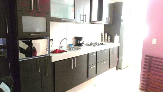 Apartamento En Venta En La Mora Cabudare 20-7605 Rr