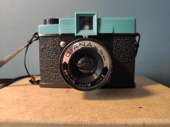 Máquina Fotográfica Diana +