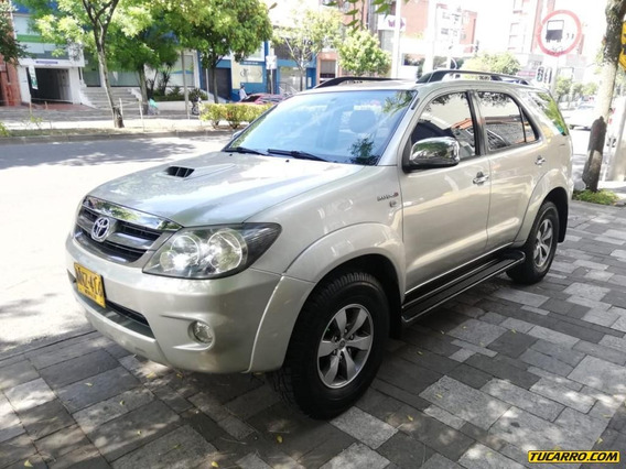 Toyota Fortuner Fortuner At 3.0 Diésel 4x4