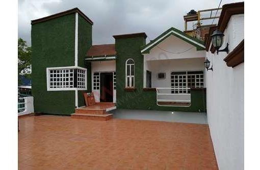 Casa En Venta En Col. Albania Baja, Con Una Terraza Panorámica