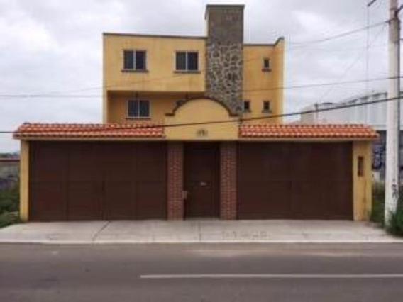 Casa Uso De Suelo En Renta Villas De Santiago