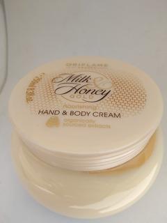 Crema De Manos Y Cuerpo Milk And Honey - L a $9980