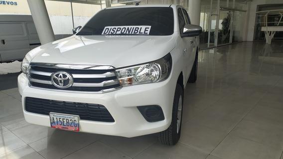 Toyota Hilux Dubai 4x4 Motor 2.4