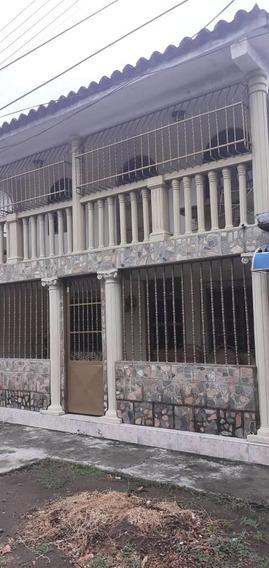 Casa En Venta Las Acacias Gleidy Uribe 04123110892