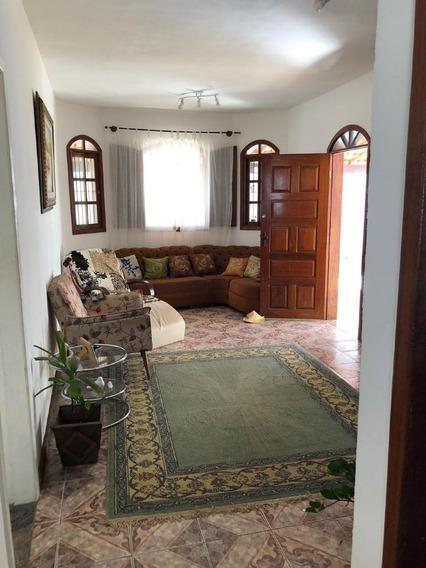 Casa Com 2 Pavimentos No Bairro Trevo - Cn1650