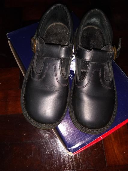 Calzado Colegial Talle 32 Marca Marcel Color Negros