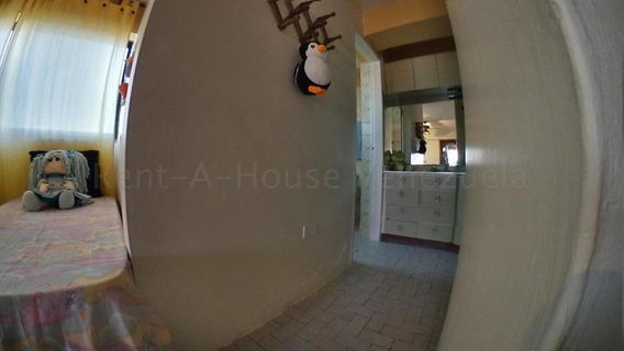 Apartamento En Venta Barquisimeto Centro 20-9320 Rbw