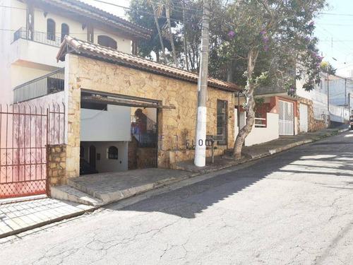 Casa 264m², 6 Dormitorios,  2 Vagas - Saúde - Ca1570
