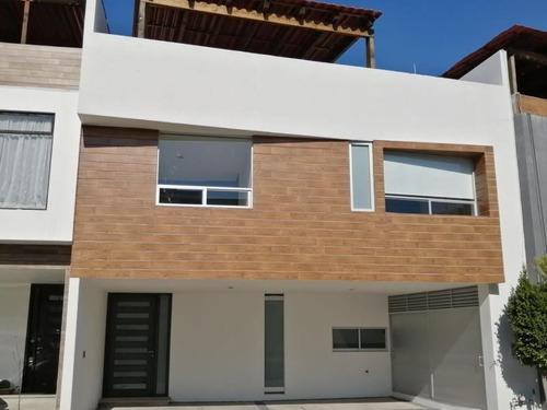 Casa Sola En Venta Lomas De Angelópolis, Parque Yucatan