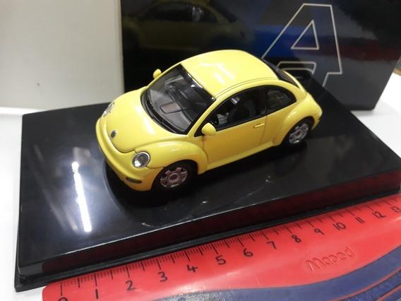 Auto Art 1/43 Volkswagen New Beetle Amarillo