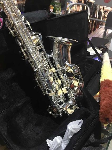 Saxofón Alto Plateado Besser As01 Pro Estuche