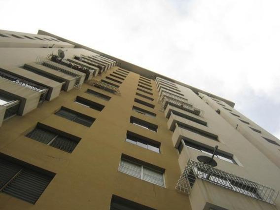 Apartamento En Venta Valles De Camoruco N.v. Cod. 19-13545