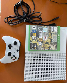 Xbox One S, 1tb, 1 Control (fifa 17 De Regalo)