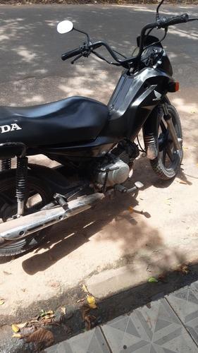 Imagem 1 de 1 de Honda 2013