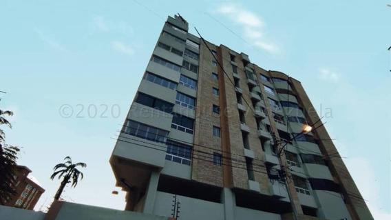 Apartamento En Venta En La Esperanza 21-8320 Jab