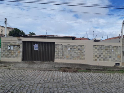 Casa Para Venda, Lagoa Nova, 3 Dormitórios, 3 Suítes, 5 Banheiros, 4 Vagas - Vn 0819