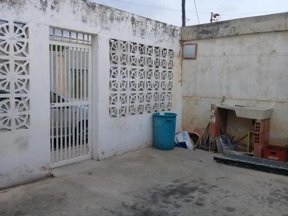 Casas En Venta. Morvalys Morales Mls #20-1468