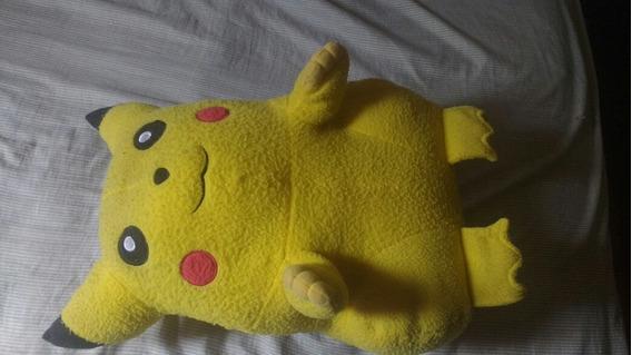 Boneco De Pelucia Pikachu