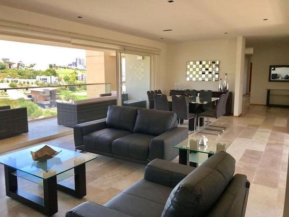 Exclusivo Penthouse Amueblado Con Increíble Vista Panorámica En Renta En Club De Golf La Loma Slp