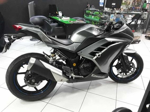 Kawasaki Ninja 300 Prata