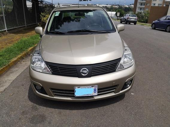 Nissan Tiida 2014.