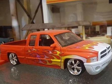 Dodge Ram Escala 1/24