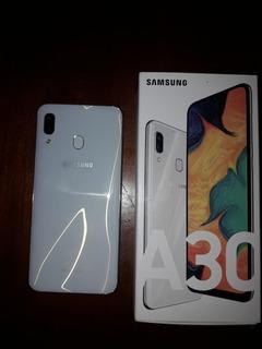 Samsung A30 Con El Módulo Roto.