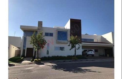 Venta De Hermosa Casa En Residencial Y Club De Golf La Loma
