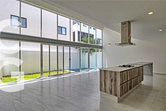 Casa En Venta En Cancun En Residencial Aqua Con Alberca Y 3r