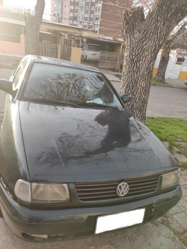 Auto Volkswagen Polo Sedan Nafta 1.6 Año 1999