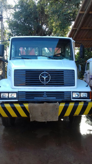 Caminhão Mercedes 2318 / Com Munck Phd 35.000
