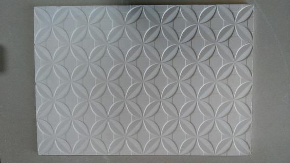Forma Molde De Silicone Para Gesso 3d 44 X 63 Atm 102