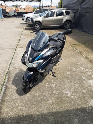 Suzuki Burgman 125 - 2020