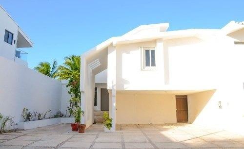 Casa En Venta En Cancún, Villas Na- Ha, Zona Hotelera.