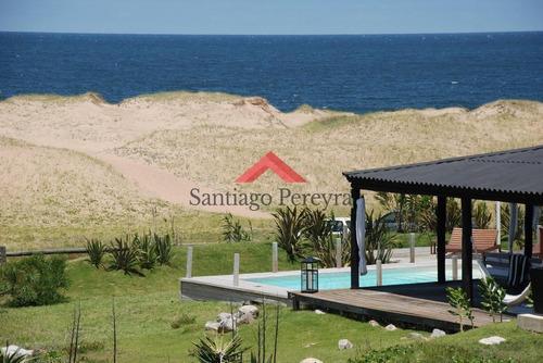 Excelente Casa Sobre El Mar - Las Grutas Punta Ballena- Ref: 6462