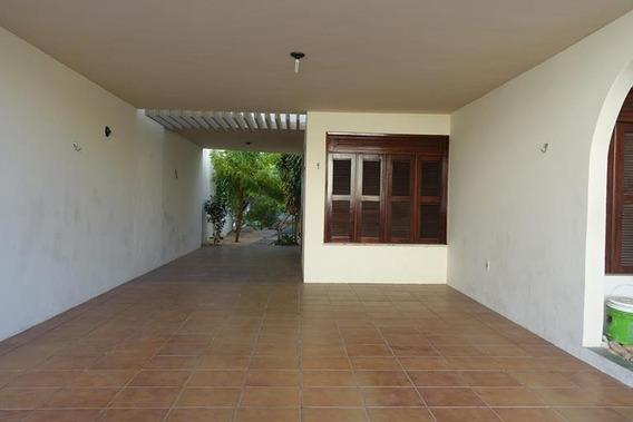 Casa Em Papicu, Fortaleza/ce De 200m² 3 Quartos Para Locação R$ 1.100,00/mes - Ca135660