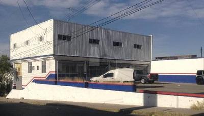 Local Comercial Sobre Ave. 20 De Noviembre