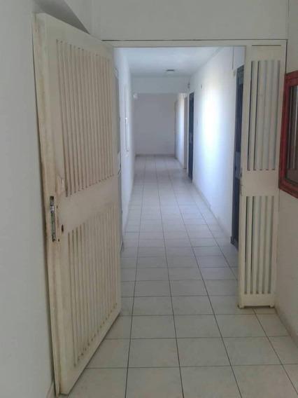 Oficina En Alquiler, Av Bolivar Ccm