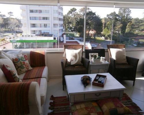 Muy Lindo Apartamento- Ref: 1016