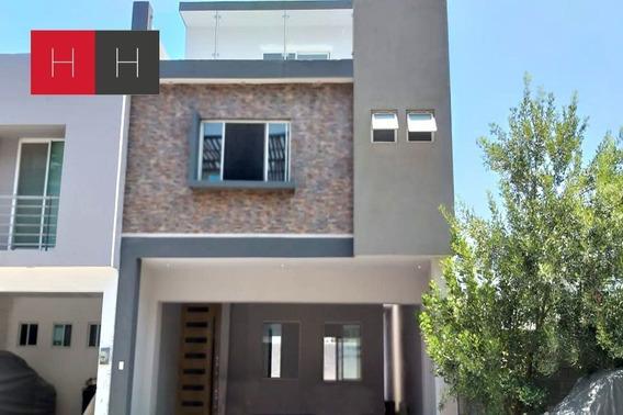 Casa En Renta Y Venta En Residencial La Huasteca, Santa Cata