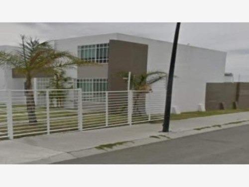 Casa Sola En Venta Fracc Puerta Navarra