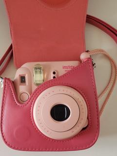 Fujifilm Camara Instax Mini 8 Rosada + Estuche