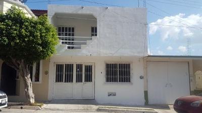Casa En Venta A Excelente Precio, A Pocos Minutos De Plaza Del Sol Y Plaza Mirador