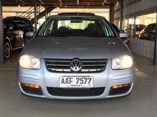 Volkswagen Bora 2.0 Trendline - Divino -  Defranco Motors