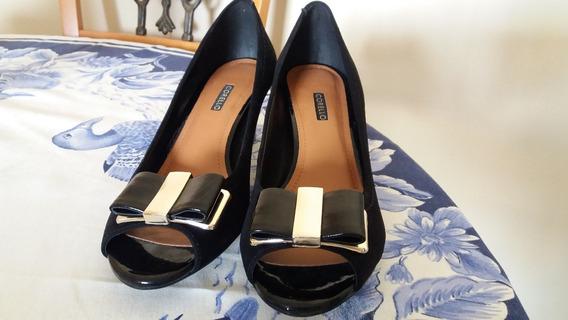 Sapato Peep Toe Preto.
