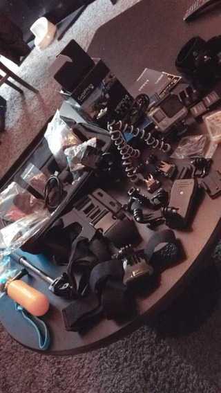Gopro Hero4 Black Com 3baterias + Uns 15 Acessórios