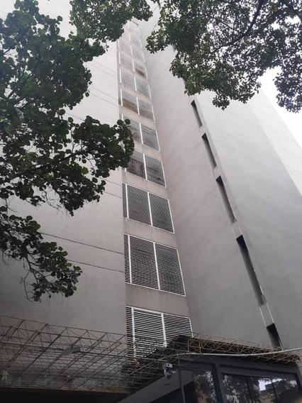 Apartamento En Venta La Florida - Conde 04242191182