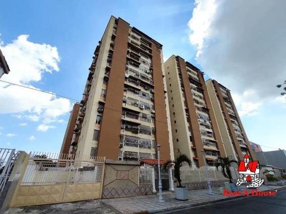Apartamento En Venta Urb Base Aragua Maracay/ 20-18624 Wjo
