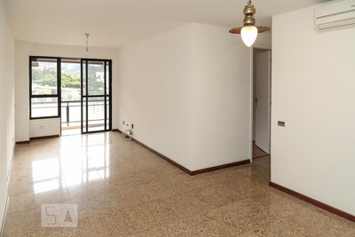 Apartamento No 4º Andar Com 2 Dormitórios E 2 Garagens - Id: 892905904 - 205904