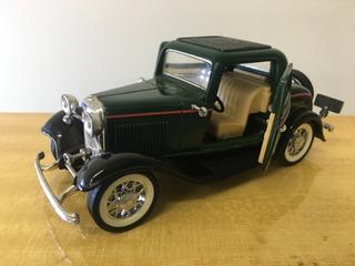 Miniatura Ford 3 Window 1932 - Sunnyside 1/30